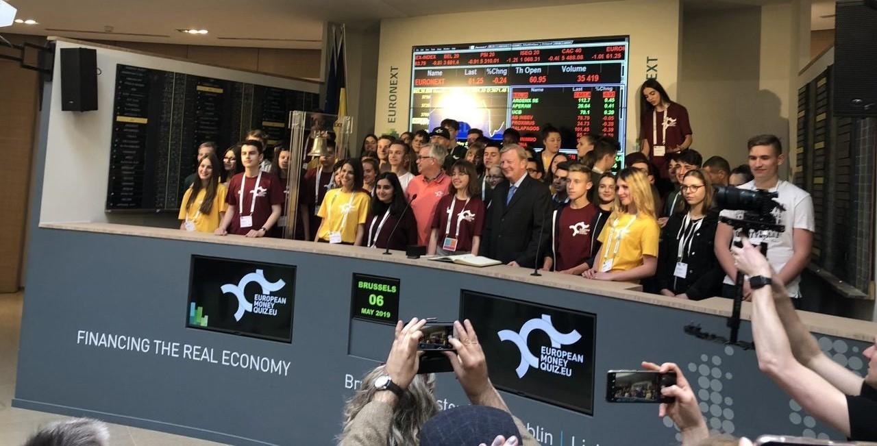 Finalistit pääsivät muun muassa soittamaan Euronext-pörssin loppukelloa.
