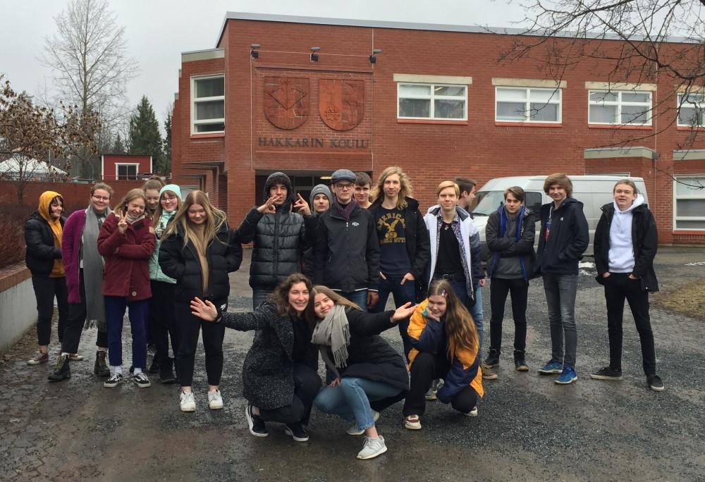 Hakkarin koulun 9G voitti edustusoikeuden European Money Quizin finaaliin.Kuva: Pate Nikulainen