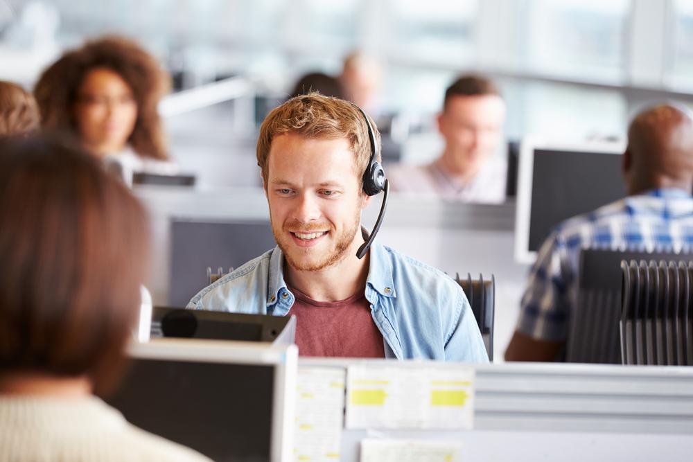 Finanssialan asiakaspalvelua hoidetaan koko ajan enemmän etänä.Kuva: Shutterstock.com
