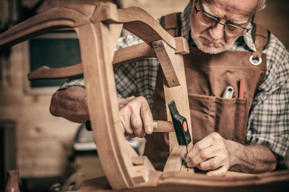 27 prosenttia Vakuutustutkimuksenvastaajista varaututäydentämään eläkeajan toimeentuloaan tekemällä ansiotyötä. Kuva: Shutterstock.com