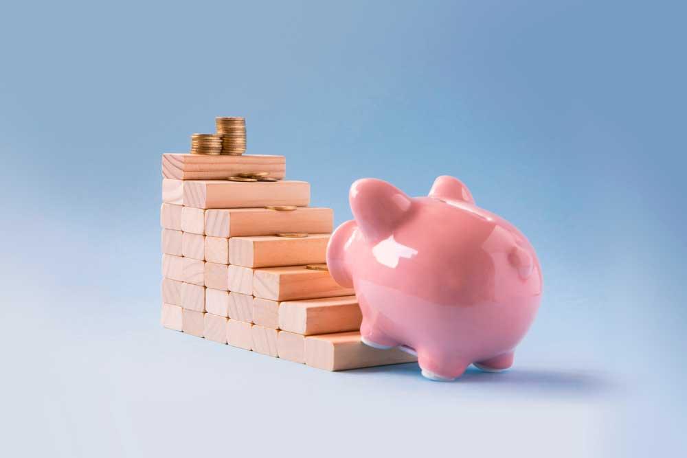 Edelleen jatkuva koronakriisi ei uhkaa akuutisti työeläkkeiden rahoitusta. Kuva: Shutterstock.com