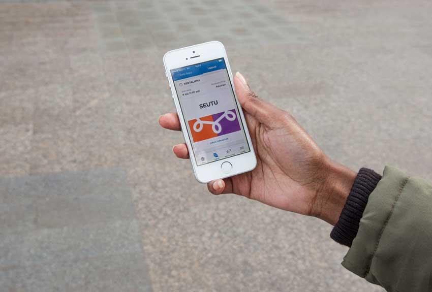Vahvan tunnistamisen tarkoituksena on parantaa maksupalveluiden turvallisuutta ja siten kuluttajansuojaa.Kuva: HSL /Lauri Eriksson
