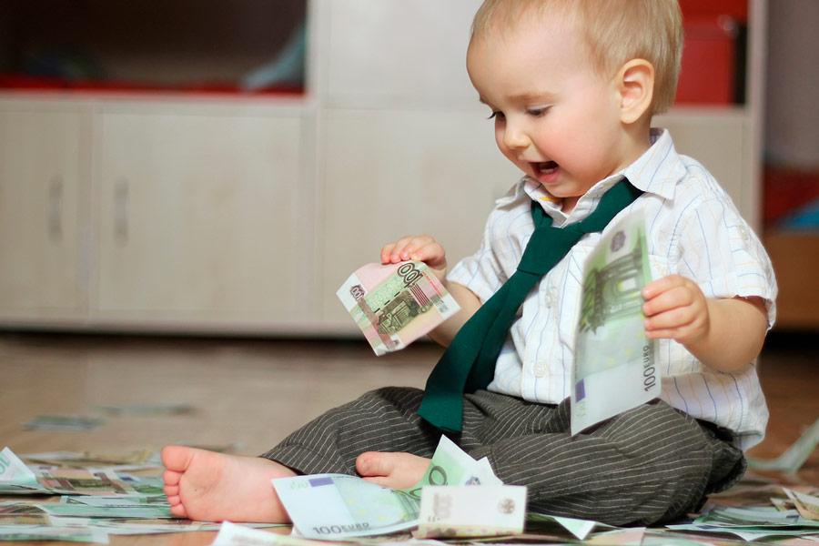 Yleisin säästökohde lapselle on tilisäästäminen. Kuva: Shutterstock.com