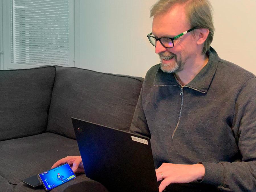 10 vuotta eri viranomaishommissa herätti Mikko Kuuselalle innon kokeilla uutta näkökulmaa työeläkeaiheeseen. Kuva: Ilona Kuusela